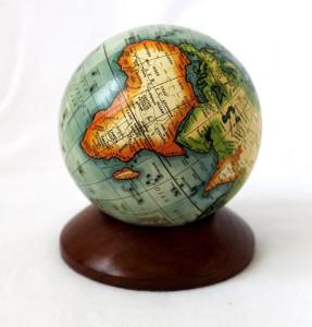 Mini Globus - Kleiner Globus auf Holzsockel